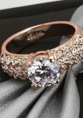 anillo de compromiso bañado en oro rosa de 18k