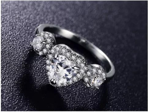 anillo de compromiso corazón swarov element romántico regalo