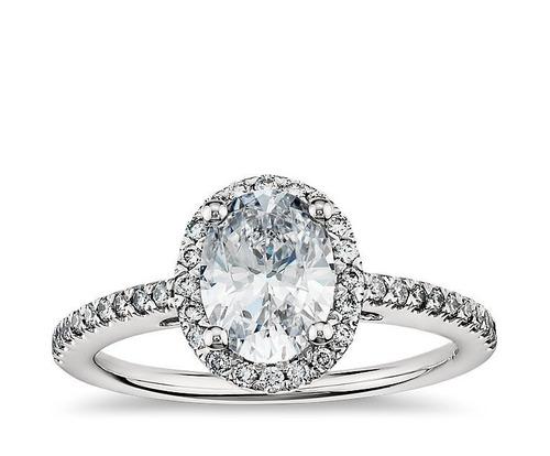 anillo de compromiso corte marquise y 30 diamantes oro 14k.