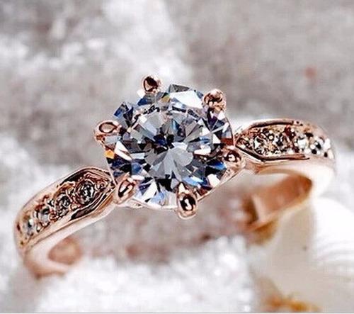anillo de compromiso enchapado en oro rosa de 18 kl
