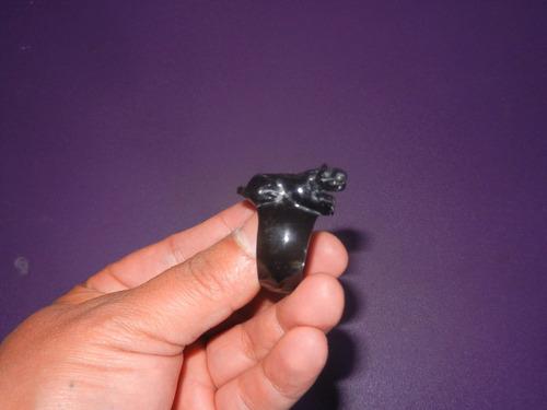 anillo de obsidiana con jaguar