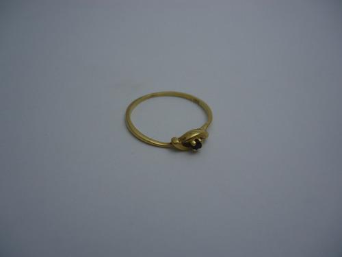 anillo de oro 18 k y zafiro