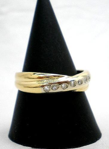 anillo de oro 18kt y brillantes goldantiques