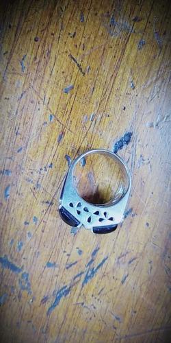 anillo de oro blanco con con dos piedras negras con 20 brill