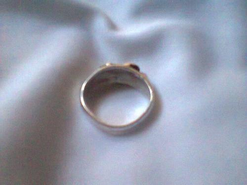 anillo de plata 900 , pesa 2.5gramos x 2verdes