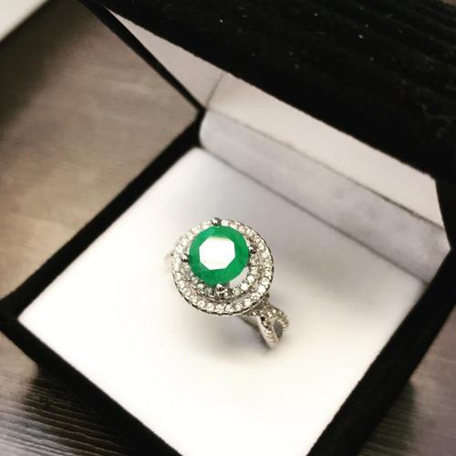 anillo de plata 925 con baño de oro blanco y esmeralda 5ct