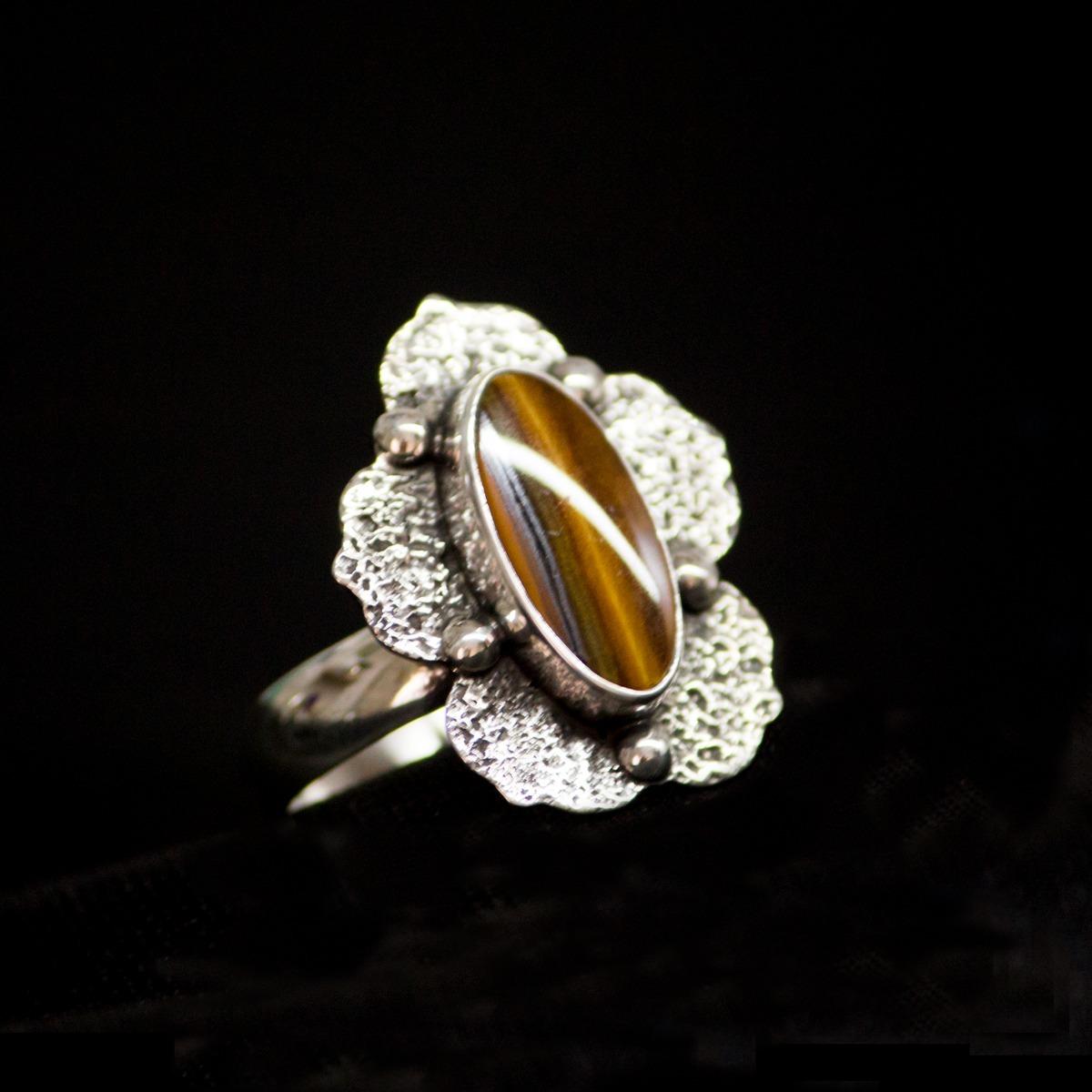 770fa1ba6ed2 anillo de plata 925 con piedra ojo de tigre hecho a mano. Cargando zoom.