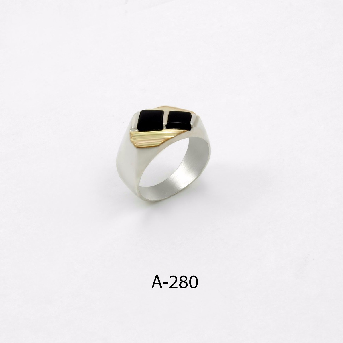 e7c0e3825680 anillo de plata 925 y oro codigo a280 piedra negra. Cargando zoom.