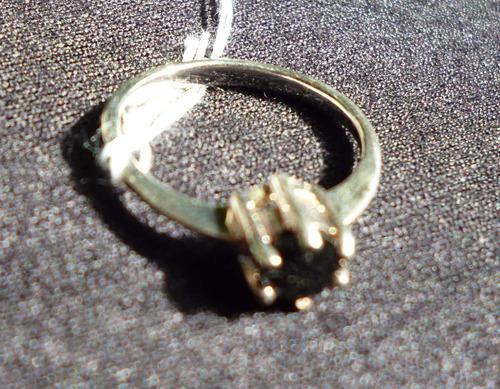 anillo de plata solitario con circon central negro talla 6,5