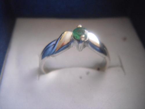 anillo de plata y esmeraldina