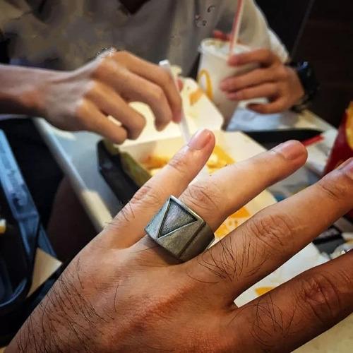 anillo egipcio piramide gótico acero inoxidable para hombre
