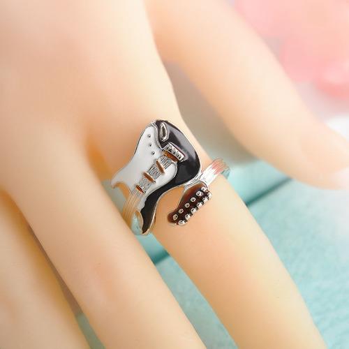 anillo en forma de guitarra regalo exclusivo amor a-162