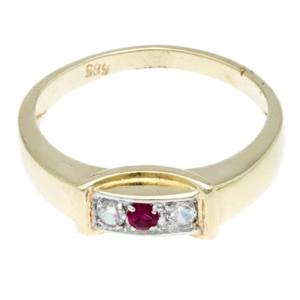 563d2833b7d9 anillo en oro amarillo con circonias y sintético.-123080893. Cargando zoom.