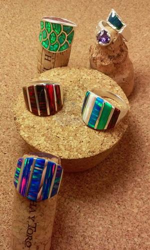 anillo en plata fina y ópalo australiano tonalidades únicas!