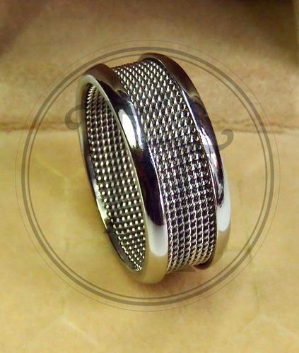 anillo en titanium steel 18k