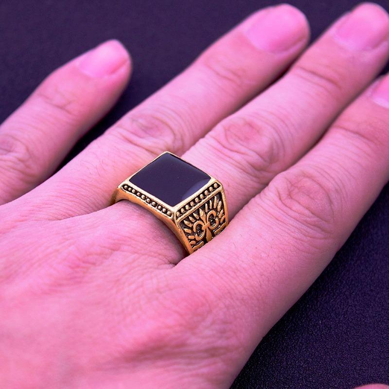 2ffc0b780add anillo hombre biker dorado piedra negra grabado numero 9. Cargando zoom.