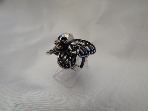 anillo mariposa con calavera plata 925.