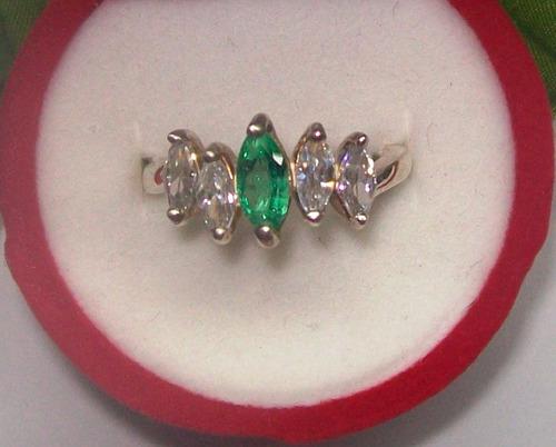 anillo marquis esmeralda con 4 circones marquis