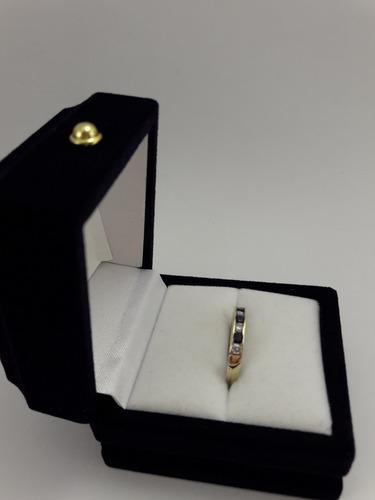 anillo mujer cintillo oro, circonias y zafiros azules