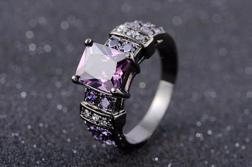 anillo negro purpura acero enchapado piedras