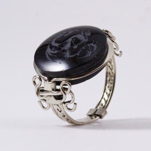 anillo obsidiana grabada dragón
