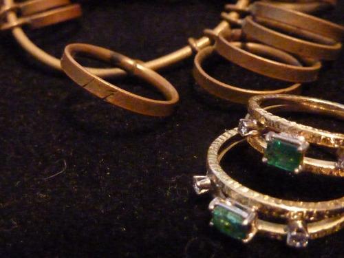 anillo oro 18 klts esmeralda y brillante
