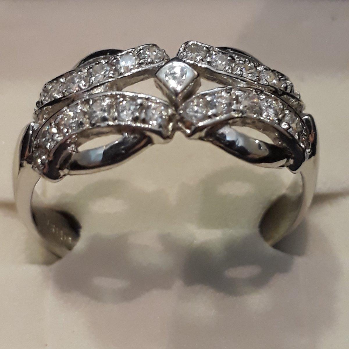 7a3f3ba3151a anillo oro 18k blanco con piedras. certificado garantia. Cargando zoom.