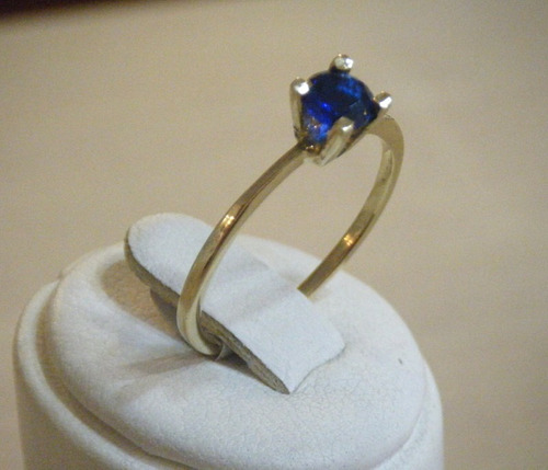 anillo oro 18k con zafiro - díaz píriz