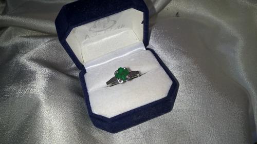 anillo oro blanco 18k sellado con bella esmeralda natural