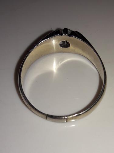 anillo oro con zafiro blanco beachin