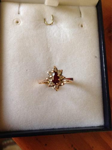 anillo oro lady, con rubí y circones