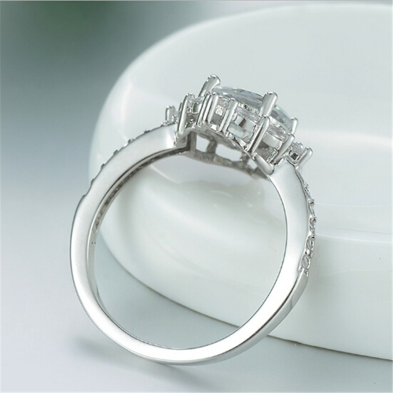 98da25ffc388 anillo de compromiso plata pura esterlina zirconia aaa · anillo plata  zirconia. Cargando zoom.