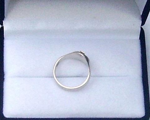 anillo sello en plata con iniciales en oro, garantidos