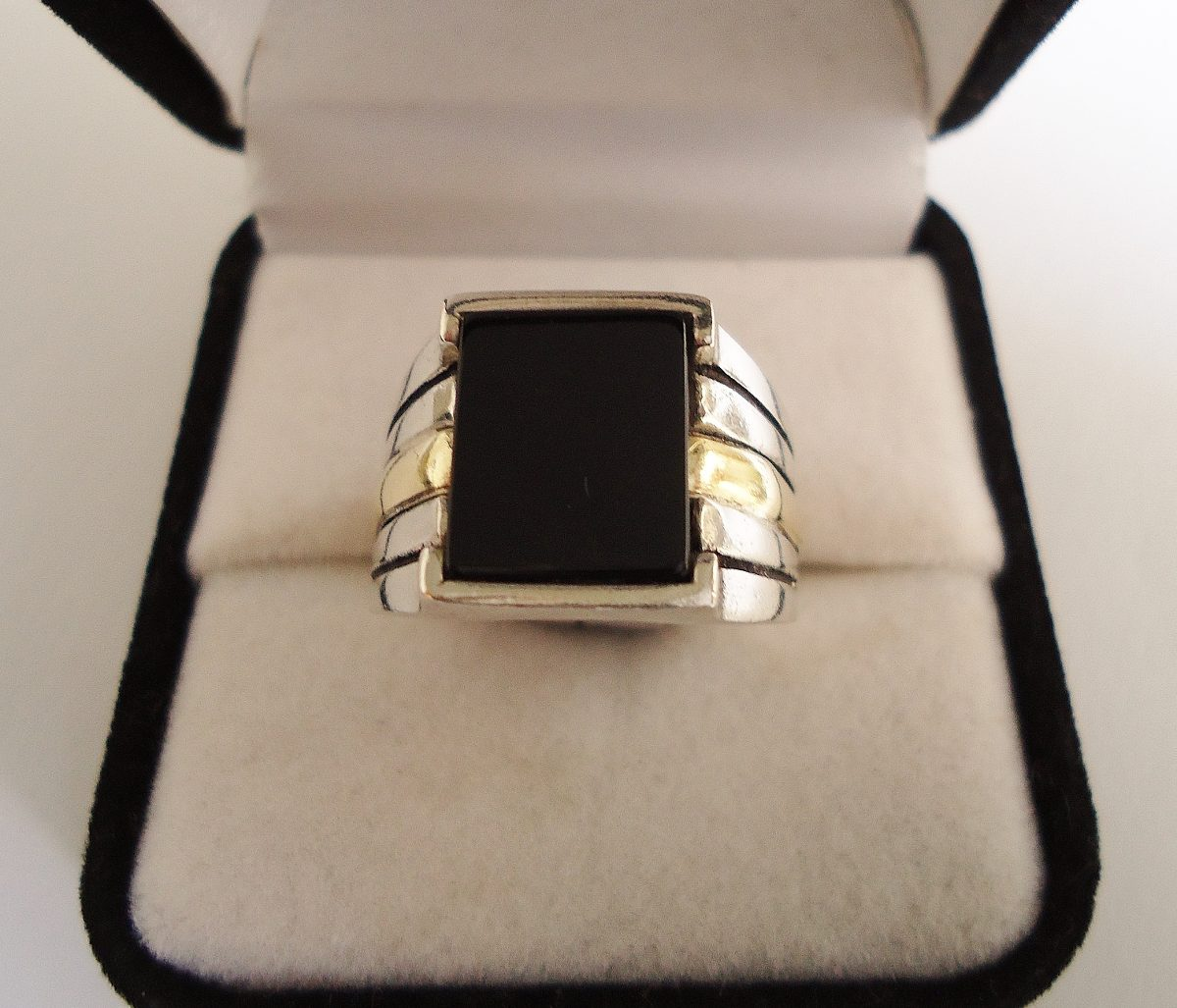 5e875d88b6a7 anillo sello hombre plata y oro ónix rectangular. Cargando zoom.