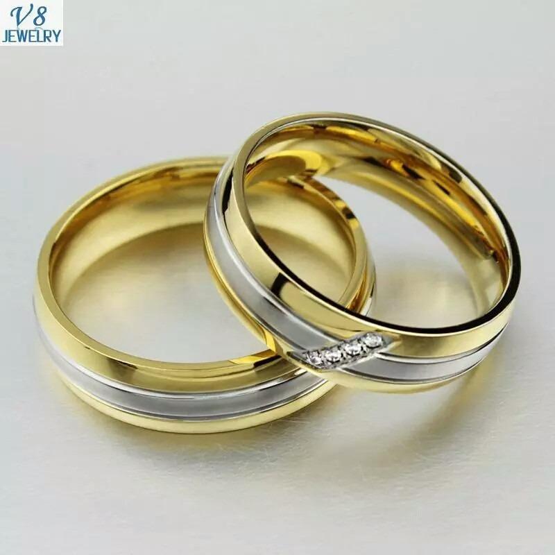 Anillos de matrimonio de plata banados en oro