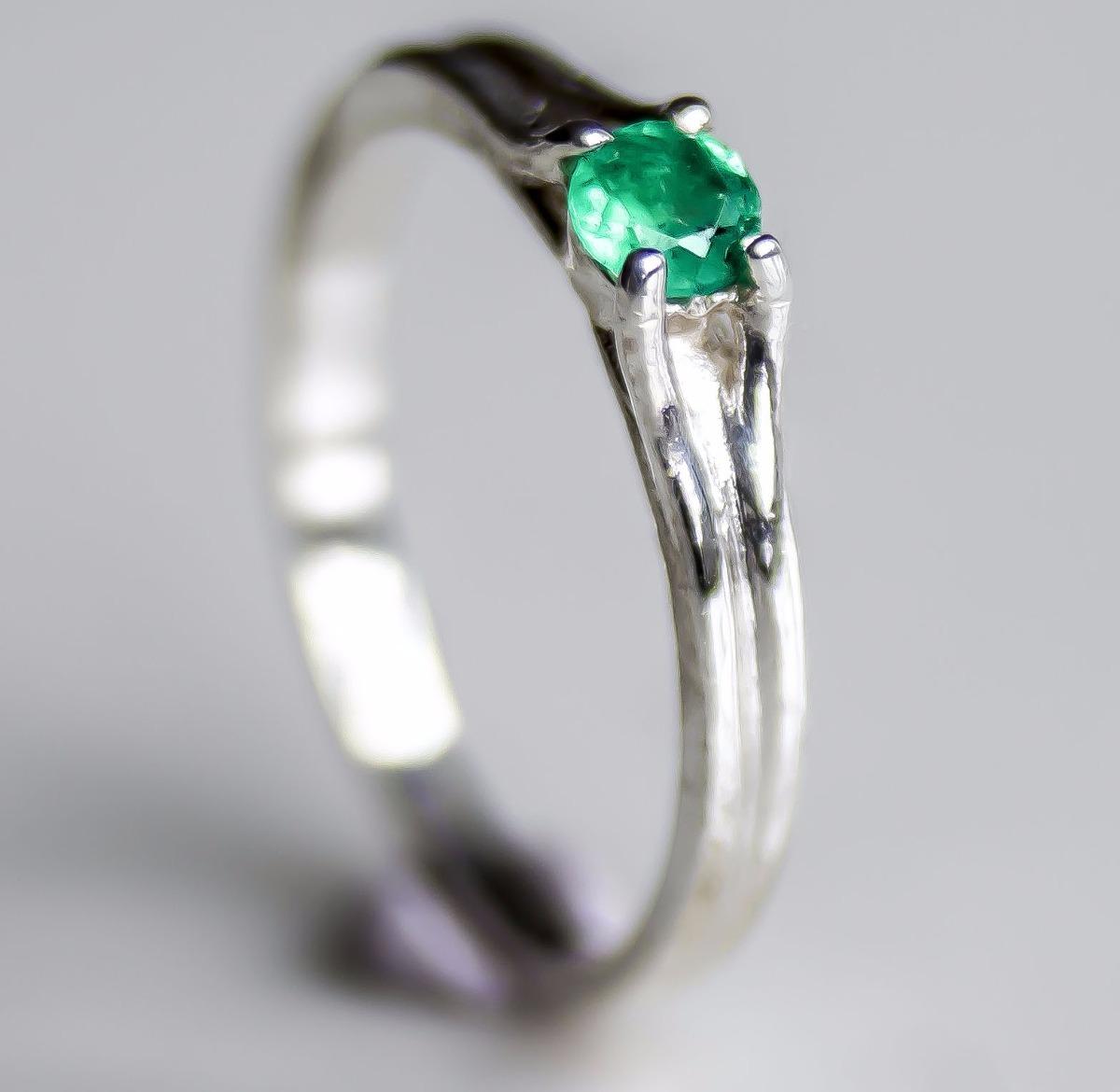 521d3c643af7 anillos compromiso esmeralda colombiana genuina plata mujer. Cargando zoom.