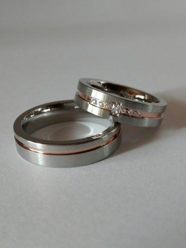 anillos compromiso,ilusiones de acero