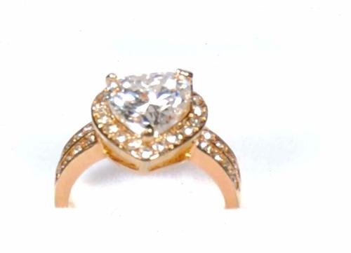 anillos d compromiso  en acero quirúrgico bañado en oro d 18