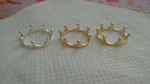 anillos de corona. chapa de oro y plata