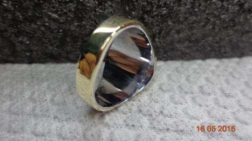 anillos de graduacion genery 6x8 en bronce dorado