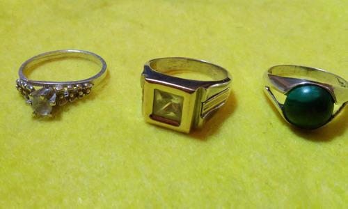 anillos de plata y piedras varias