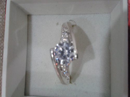 anillos solitario o de  compromiso  en plata ley 950