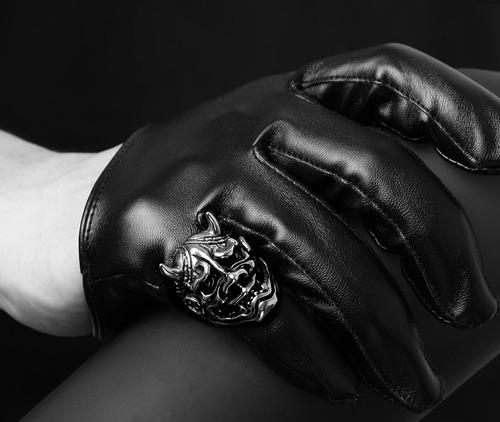 anillos temáticos demonios y calaveras