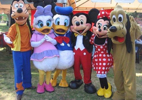 animación evento mickey, minnie, donald, daisy, goofy, pluto