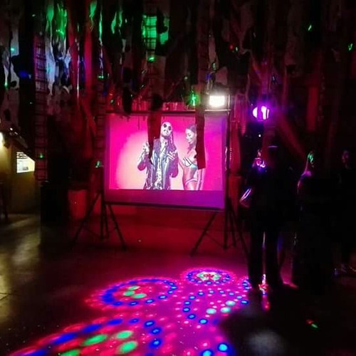 animación karaoke pantalla gigante juegos banda en vivo