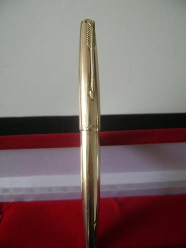antiga caneta tinteiro parker em plaquê de ouro e madreperol