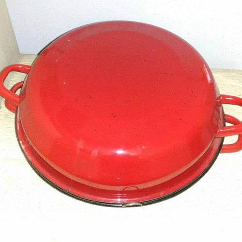 antiga churasqueira esmaltada vermelha fogão