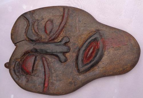 antiga  escultura entalhada madeira, carrascos da natureza