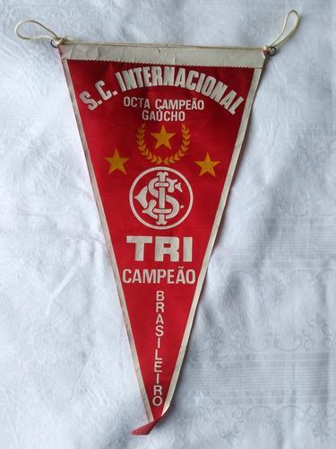 antiga flamula do s c internacional tri campeao
