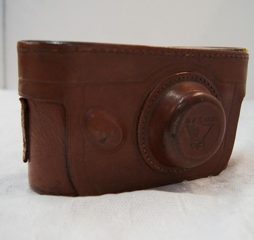 antiga máquina fotográfica range finder